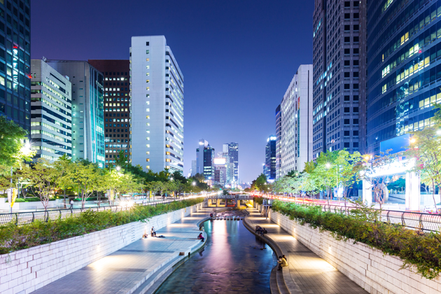 At night Cheonggyecheon Stream is a popular romantic spot for couples