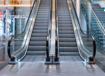 modern-luxury-escalators-staircase-airport