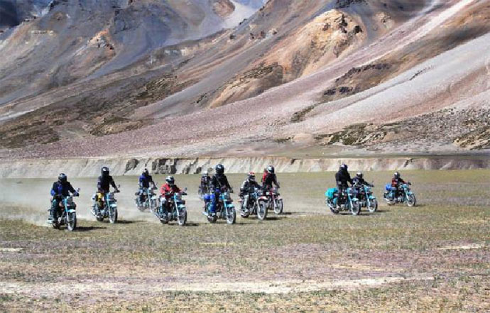 the-bikerni-at-khardung-la